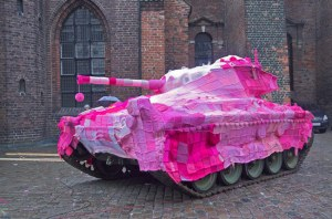 Marianne Jorgensen, Pink Tank, 2006.