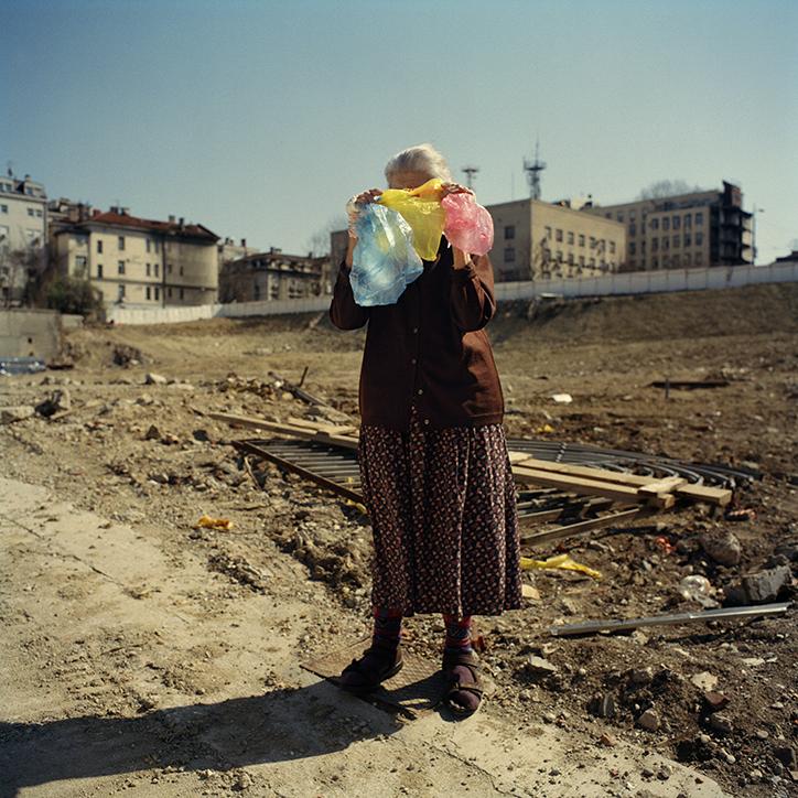 Kao malo vode na dlanu/ Cómo un poco de agua en la mano. Un proyecto sobre el amor en Serbia © Mireia Sallarès.
